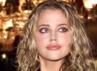 حکم دادگاه برای مانکن و بازیگر زیبای معروف کانادا + عکس