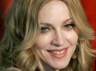 عریان شدن مدونا بازیگر و خواننده معروف آمریکا برای کار خیر