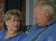 عشق واقعی این پیرمرد 77 ساله به همسرش (عکس)