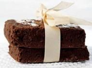 آموزش درست کردن شیرینی تر کاکائویی بدون تخم مرغ