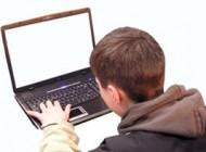 ورود کودکان به دنیای اینترنت و هک (عکس)