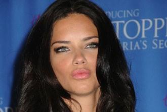 برترین مانکن دنیا بدون آرایش در رینگ بوکس (عکس)