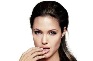 آنجلینا جولی شبیه شیطان است؟ (عکس)