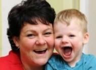 پسر بچه دو ساله از انگلستان با بیماری (مردفرشته ای)