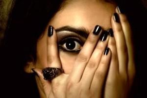 ترسناکترین دختر که حتی شما را هم می ترسانده (عکس)