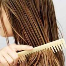 استفاده از شانه پلاستیکی = نابودی موها