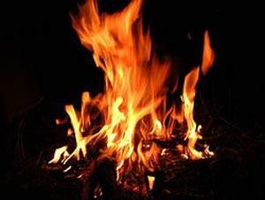 شرح ضرب المثل برای یك دستمال قیصریه ای را آتش می زند