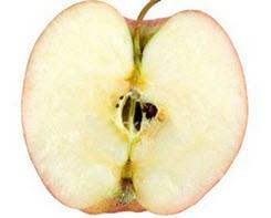 چرا پوست سیب در معرض هوا سیاه میشود؟
