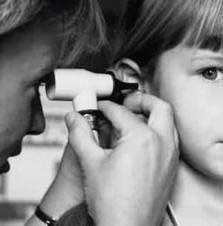 معمولا عفونت گوش در کودکان چگونه ایجاد می شود