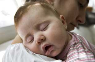 وقتی کوچولوها سرما می خورند بهترین کار چیست