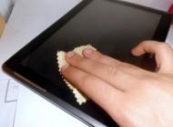 صحیح ترین راه پاک کردن صفحههای لمسی