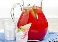 تهیه آب میوه شیرینی از هندوانه