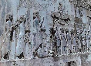 در زمان باستان ایرانی ها چه نوع خط و زبانی داشتند