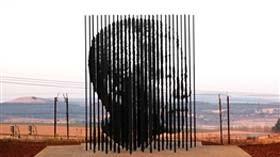 خبر مرگ رسمی نلسون ماندلا پخش شد