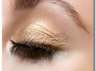 چگونگی ماندگاری بیشتر آرایش چشم ها