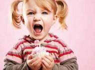 با کودکانی که عاشق شیرینی هستند چکار کنیم