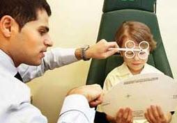 از کجا بفهمیم چشم کودک  تنبل است؟