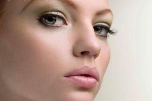 آرایش کم ولی ملیح و زیبا داشته باشید