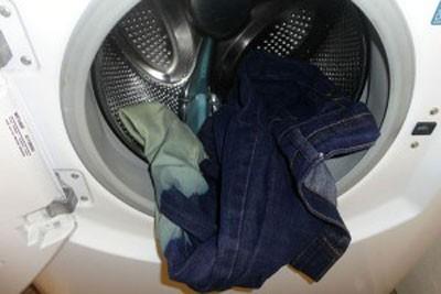 توصیه های شستن شلوار لی در ماشین لباس شویی