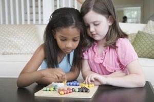 فعالیت های ساده و سر گرم کننده کودکان