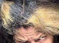 موهای عجیب این زن ترسناک مشهورش کرد (عکس)