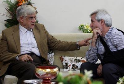 دیدار عارف با زندانی سیاسی