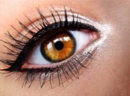 خط چشم و ضررهای آن برای چشم
