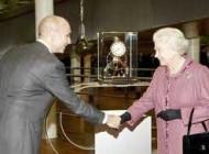 عجیب ترین آگهی استخدام برای ملکه بریتانیا (عکس)