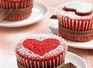 تهیه کیک های قرمز