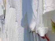چگونه لباس های سفید را تمیز کنیم؟