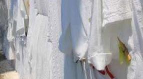 آموزش پاک کردن سریع لکه روی لباس؟ چگونه لباس های سفید را تمیز کنیم؟