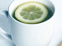 فواید جالب آب گرم و لیمو