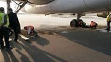 هواپیمای عربستان در کویت به گل نشست (عکس)