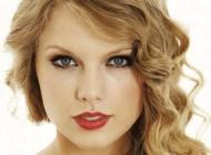 تیلور سویفت خواننده زیبا من هیچ وقت دنبال پسرها نبوده ام